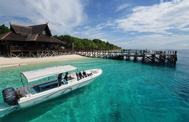 this is a photo of Pulau Mataking