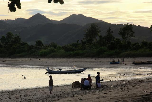 south-lombok-beach-belongas-bay