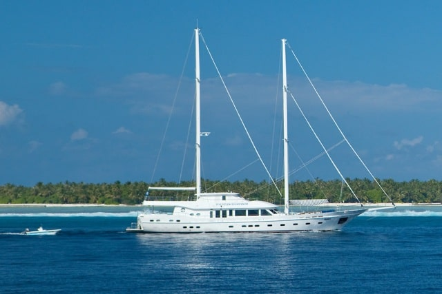 luxury liveaboard in the maldives