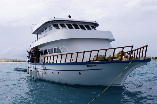 this is a luxury liveaboard in the maldives