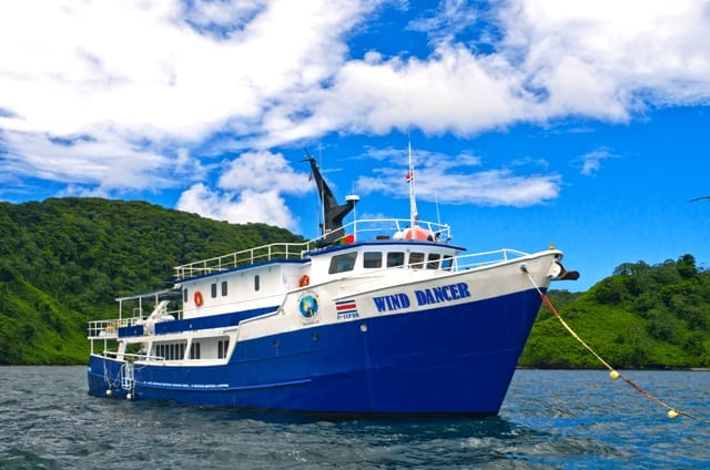 wind-dancer-liveaboard-reviews-cocos-island