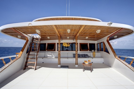 conte-max-boat-maldives