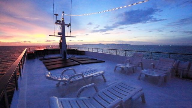 sun deck on the mv hallelujah similan diving cruise