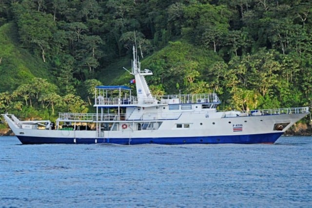 this is a reviews of the okeanos aggressor diving liveaboard in coco