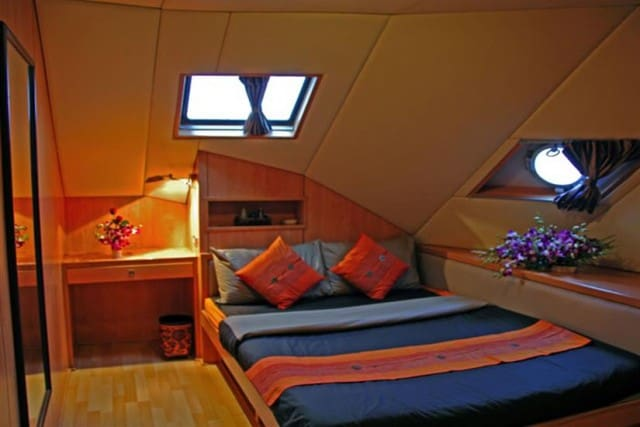 panunee-liveaboard-review-cabin