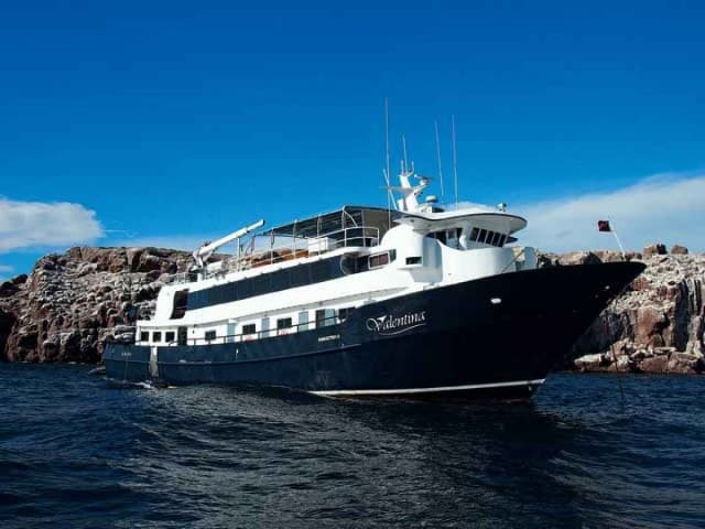 MV Valentina luxury liveaboard mexico diving