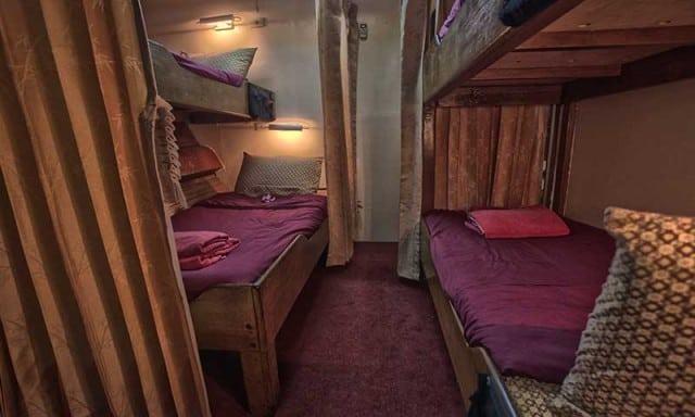 junk-liveaboard-cabin
