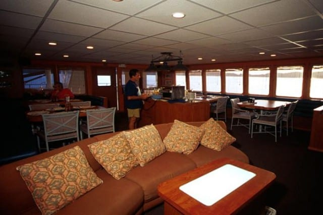 mv belize aggressor iv saloon liveaboard review