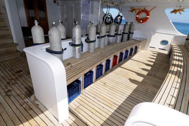 mv blue melody dive deck liveaboard review