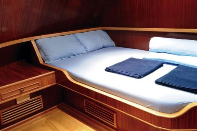 mv blue melody double cabin liveaboard review