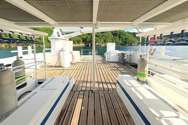 mv sea hunter dive deck liveaboard review