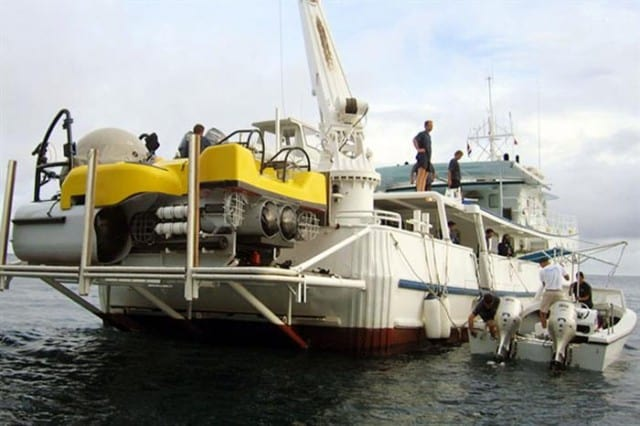 mv sea hunter exterior stern liveaboard review