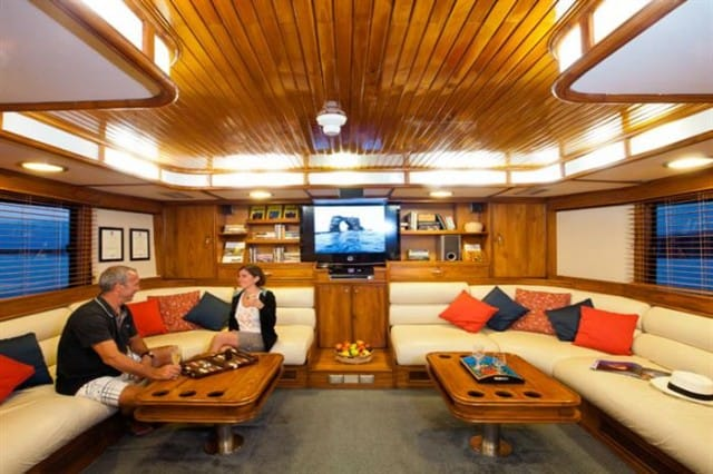 mv galapagos aggressor III salon liveaboard review