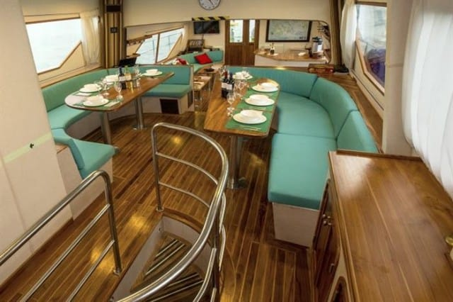 mv nortada dining area liveaboard review
