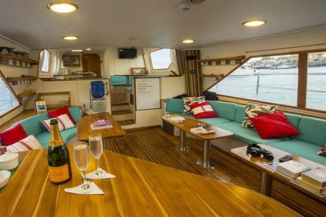 mv nortada salon liveaboard review