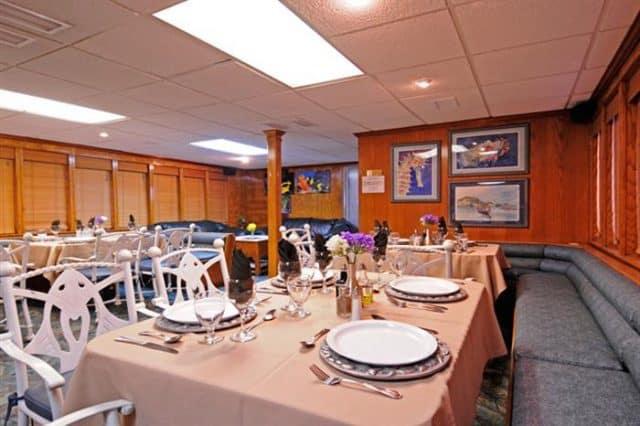 mv okeanos aggressor ii dining area liveaboard review