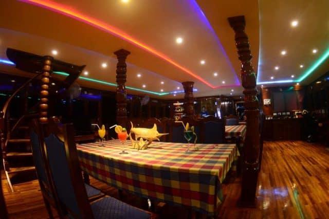mv sharifa dining area liveaboard review