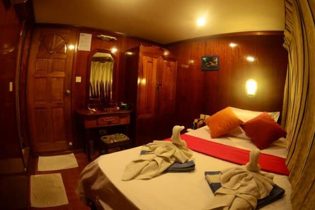 mv sharifa double cabin liveaboard review