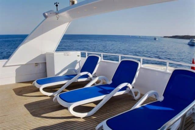 mv snefro love sun deck liveaboard review