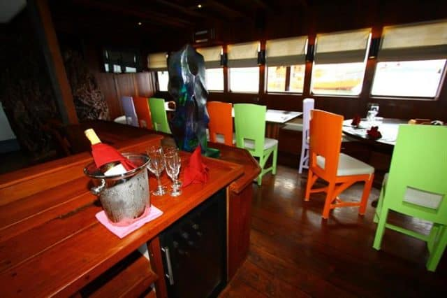 mv waow indoor salon liveaboard review
