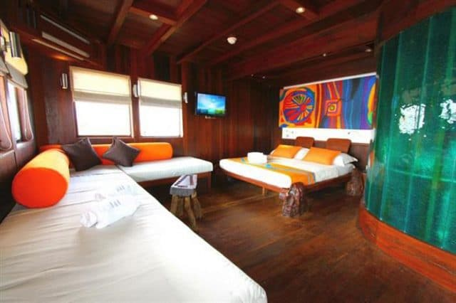 mv waow master cabin liveaboard review