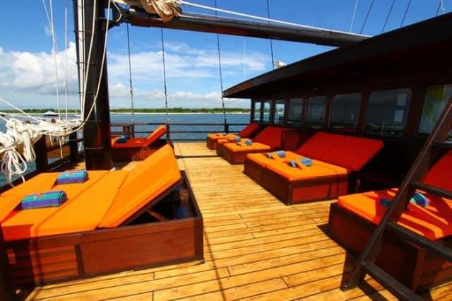 mv waow sun deck liveaboard review