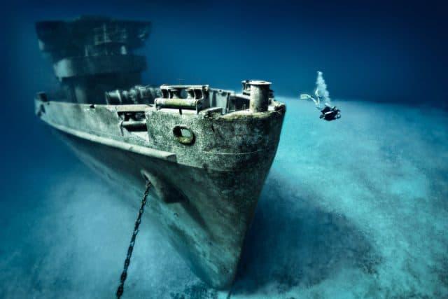 cayman islands kittiwake wreck diving