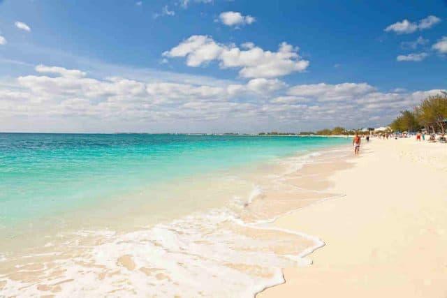 cayman islands liveaboard diving