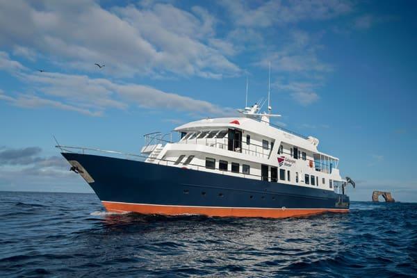 galapagos island liveaboard Galapagos Master