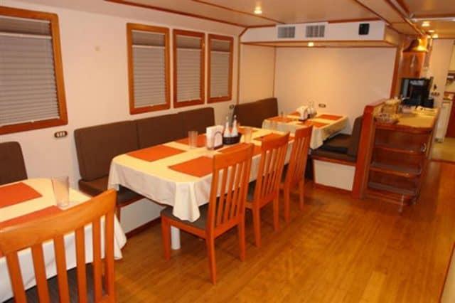 mv argo dining area liveaboard review