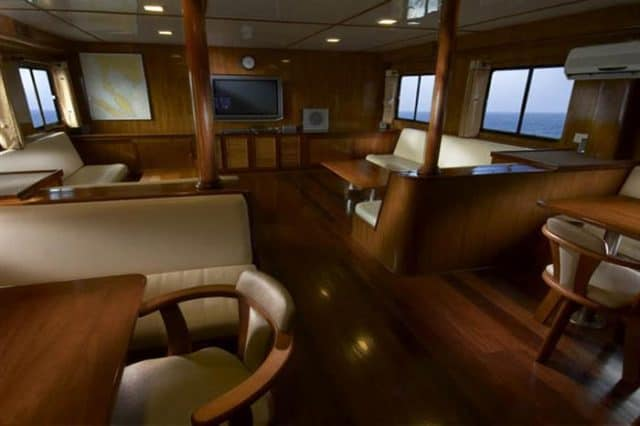 mv black manta indoor lounge salon area liveaboard review