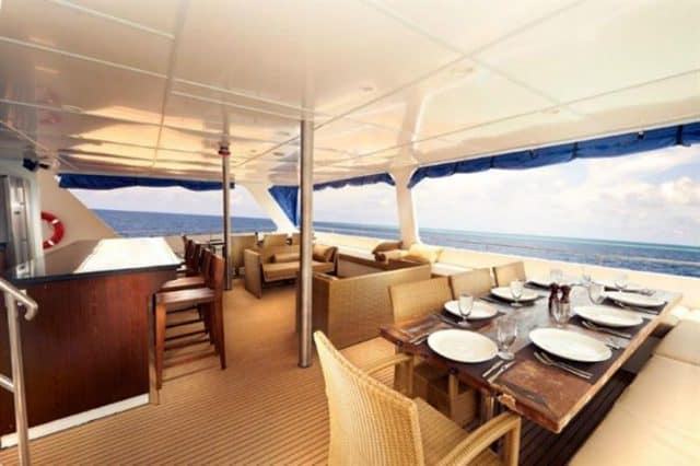 mv blue manta outdoor dining liveaboard review