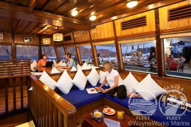 mv indo aggressor salon stateroom liveaboard review