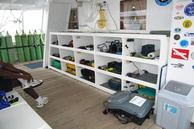 mv undersea hunter camera storage liveaboard review