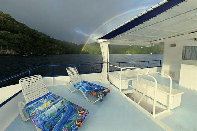 mv undersea hunter sun deck liveaboard review