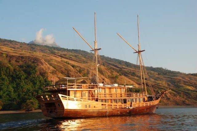 damai II luxury liveaboard in indonesia