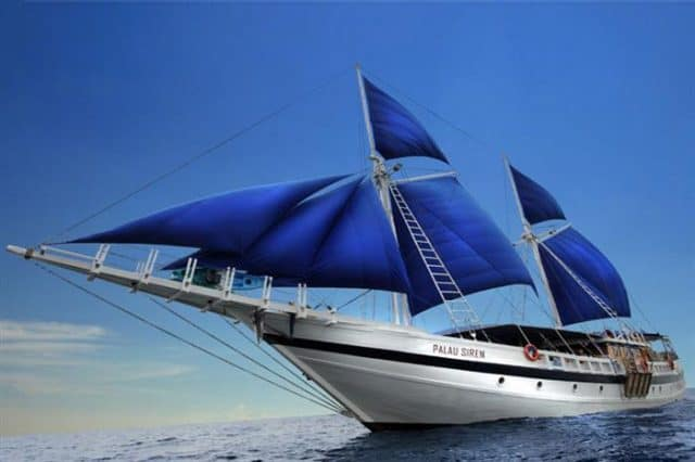luxury liveaboard palau siren diving