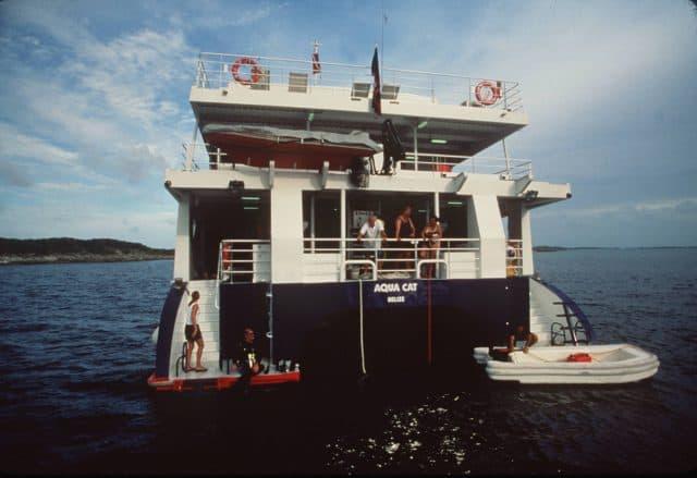 aqua cat liveaboard bahamas dive deck