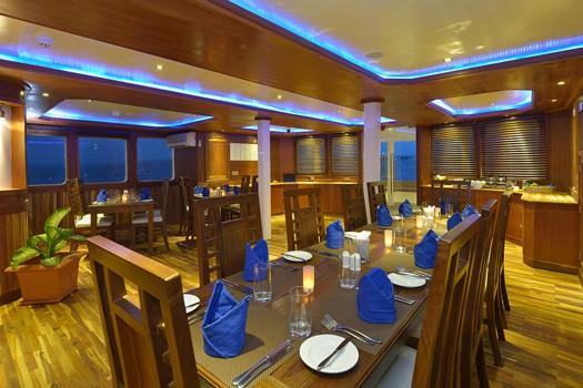 dining maldives princess liveaboard diving cruise