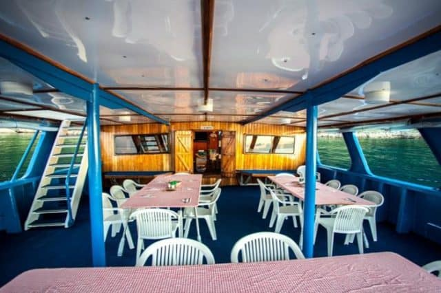 dining bilikiki liveaboard diving cruise solomon islands