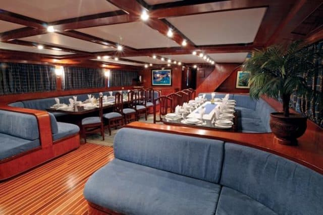 blue horizon liveaboard red sea diving cruise dining area