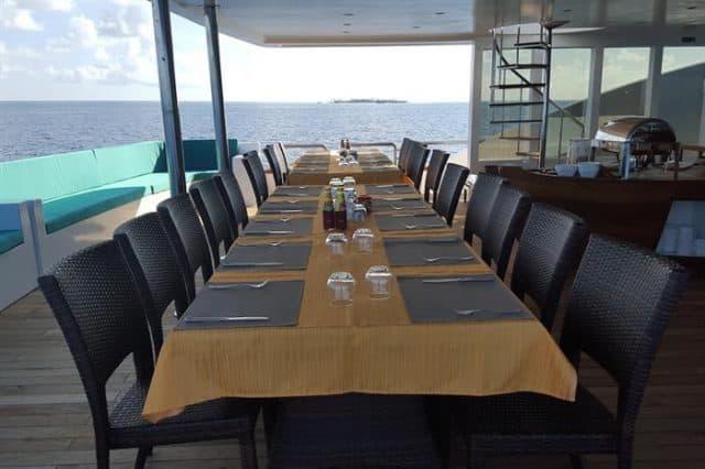 restaurant carpe novo luxury liveaboard maldives