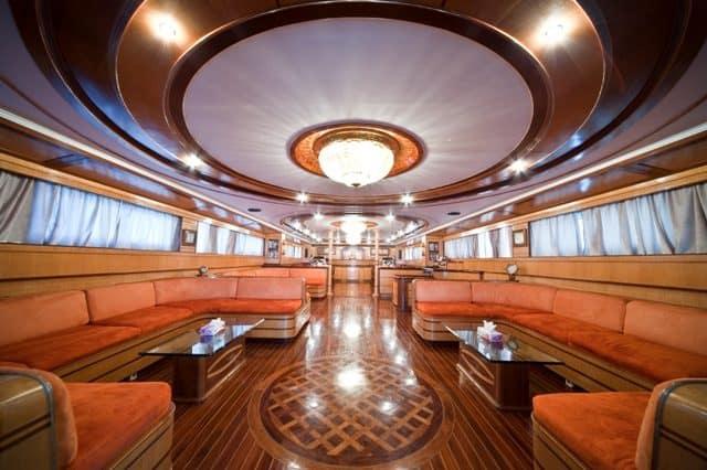 grand sea serpent liveaboard red sea salon lounge