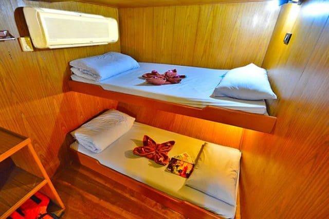 cabin manta queen 2 liveabooard