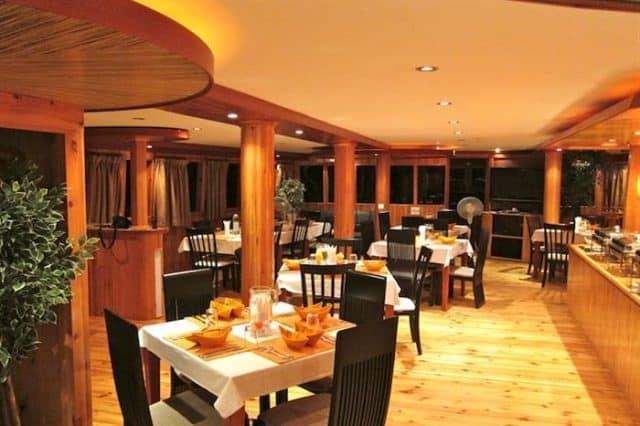 emperor orion liveaboard diving maldives dining room