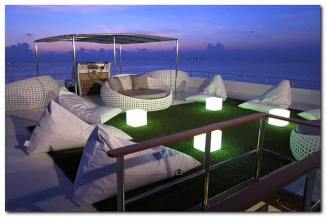 outdoor lounge ocean divine liveaboard diving maldives