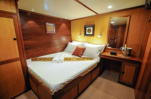 cabin double raja laut charter liveaboard indonesia thailand andaman sea