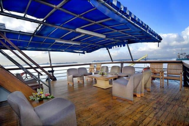 lounge sea safari 6 liveaboard diving indonesia raja ampat