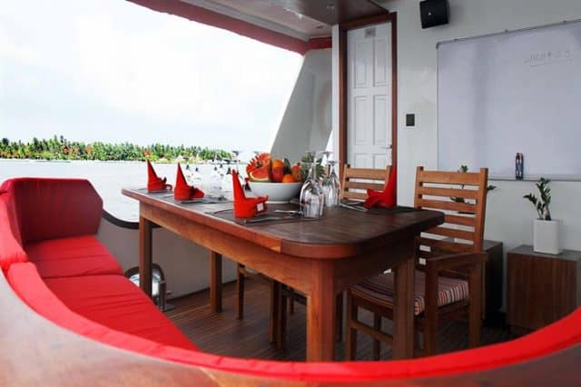 dining outdoor theia liveaboard diving maldives