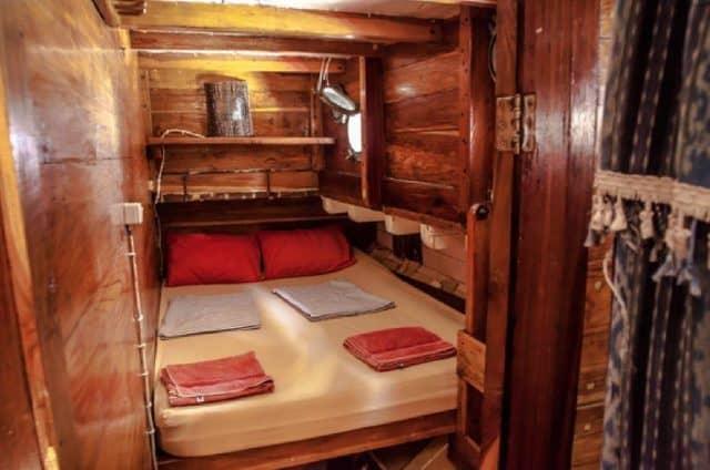 cabin pratiwi liveaboard charter diving cruise komodo indonesia